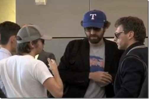 Daft Punk застукали без шлемов после «Грэмми 2014»