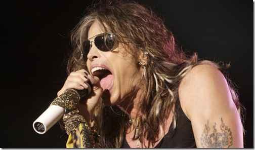 """Дэйв Грол, Стивен Тайлер и Слэш спели хит Aerosmith """"Walk This Way"""""""