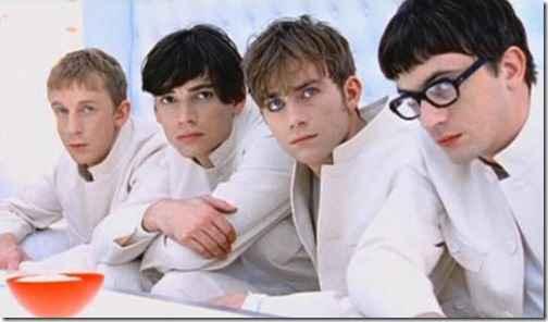 """Деймон Албарн прокомментировал противостояние песен Blur """"Country House"""" и Oasis """"Roll With It"""""""